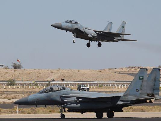 635920158521303915-Saudi-F-15s